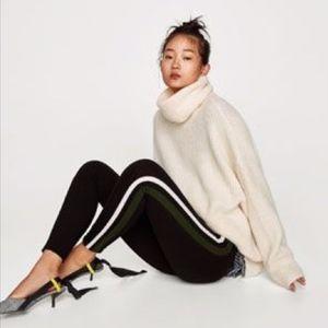 Zara zip front leggings with double side stripe XS